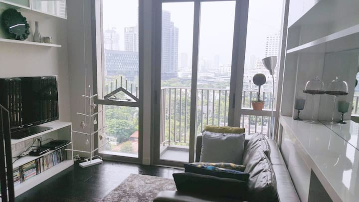 Living&Woking at the Loft condo in Thonglor