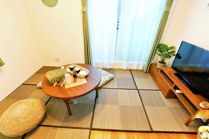 新宿周邊新建別墅、合法民宿、步行車站4分鐘、多條地鐵線可利用、全新佈置