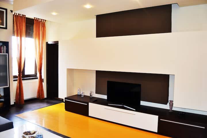 Apartment 8, Iosefin