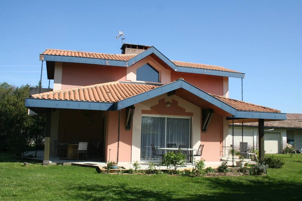 La Villa, autre vue.