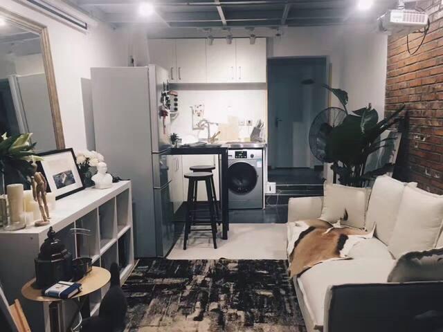 东四胡同舒适情调艺术loft单房