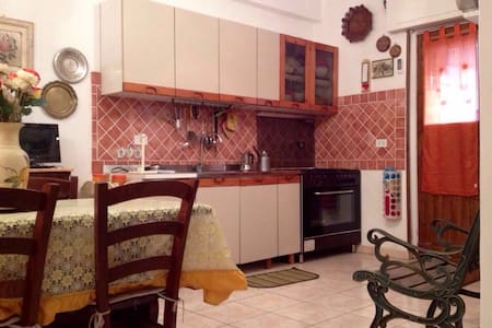 Monolocale Ristrutturato Torvajanica - Apartemen