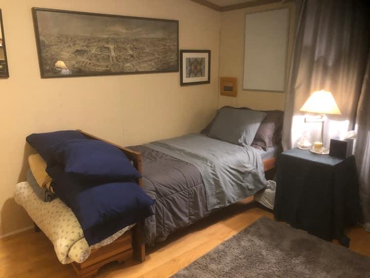 Simple Private Bedroom - Traverse City, MI