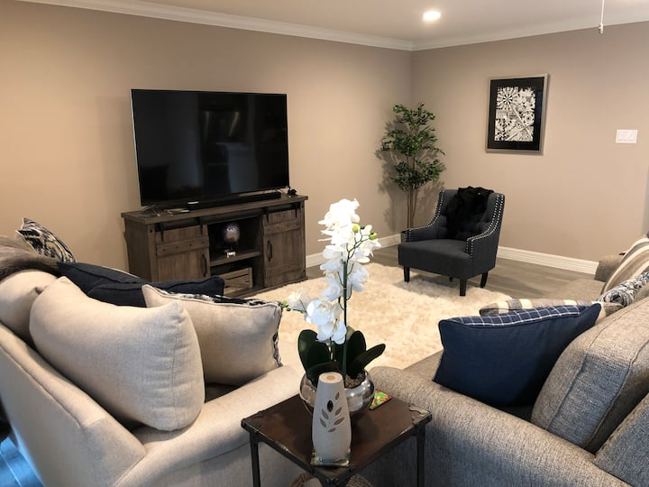 Rustic Warmth in the City (Meyerland/Braes)