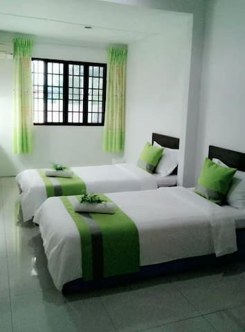Joyful Homestay Miri Single Bedroom #102