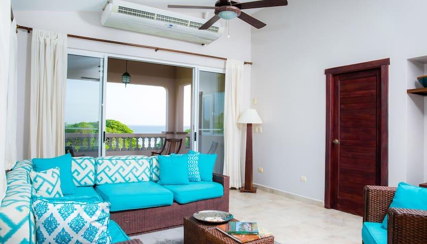 Río Dulce V-13: Oceanview Penthouse
