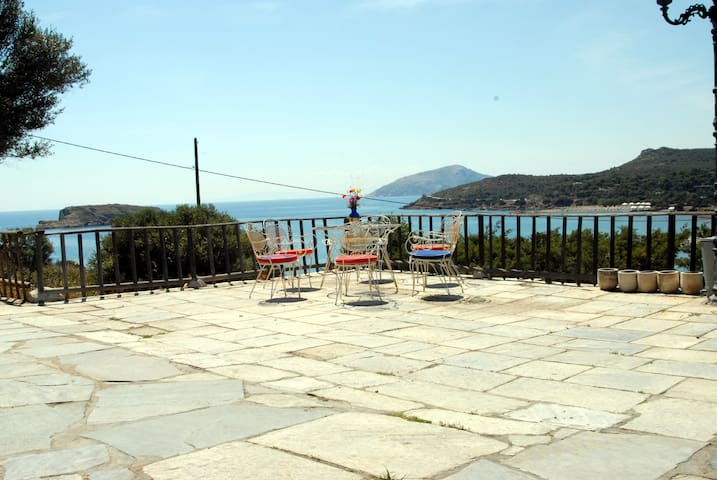 Summer house in Athens Sounion. Treehouse 3 - Kato Sounio - Apartament