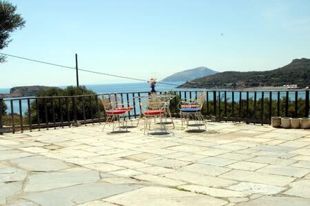 Summer house in Athens Sounion. Treehouse 3 - Kato Sounio