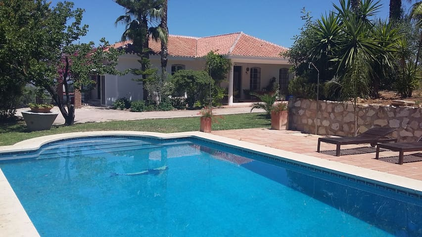WONDERFUL VILLA. ENDLESS PANORAMIC - Alhaurín el Grande - House