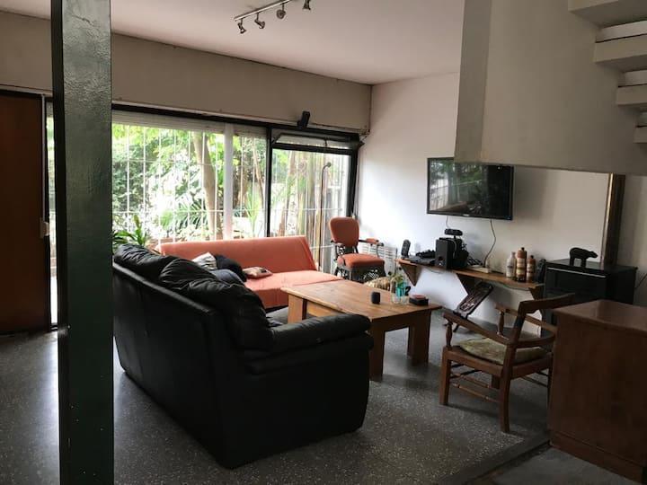 Casa amplia en Montevideo