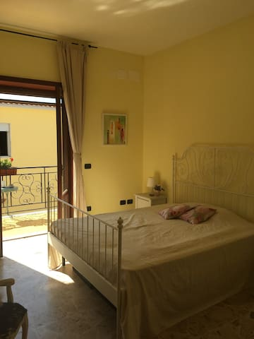 Bacoli, with own balcony & bathroom - Bacoli - Pis