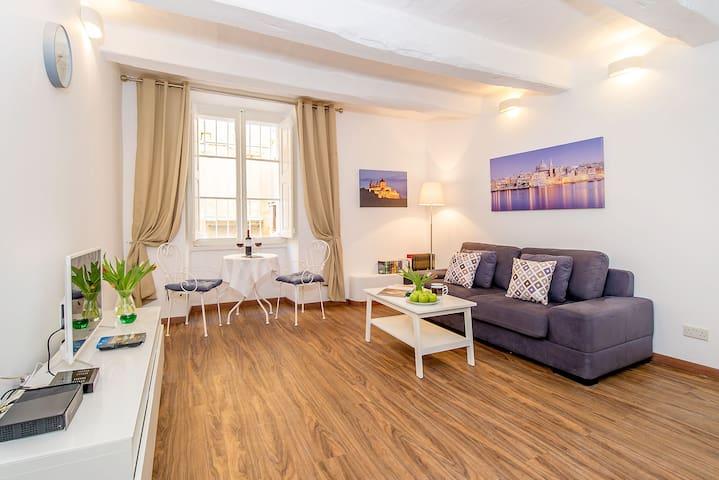 Republic Street Apartment