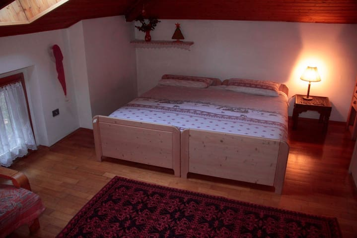 Stanza privata mansardata a Trento - Trento - Haus