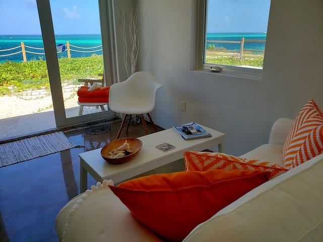 Villa Kaya - Orange Suite - Ocean Front