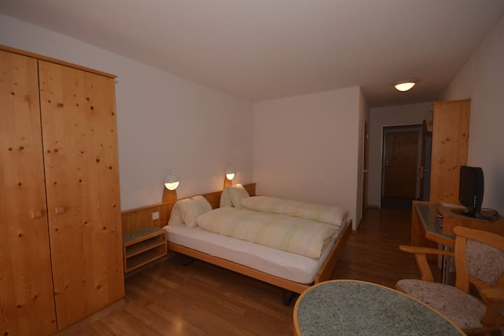 Doppelbett Zimmer mit Zusatzbett - Filisur - Daire