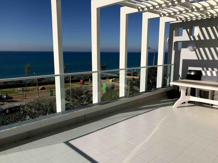 KOSHER Luxury apartment with stunning balcony view