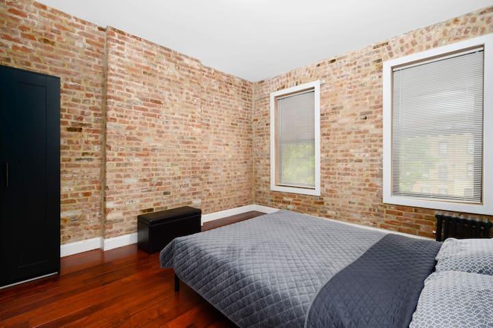 1st Floor, Room # 6 (12' x 14')