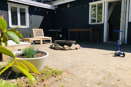 Oplev Orø og bo i et lækkert rummeligt sommerhus