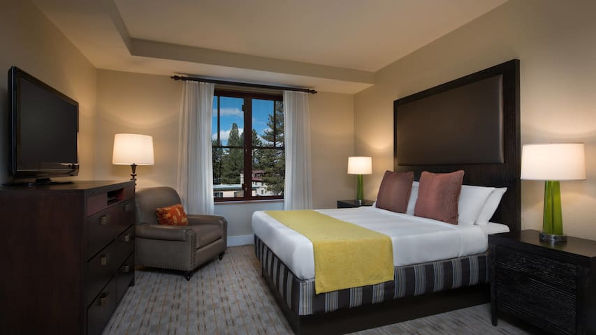 Grand Residences Lake Tahoe 2 bedrooms Ski/Summer