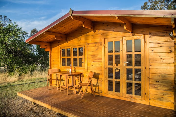 Cute unique Cabin-Romantic Retreat-Frankland River