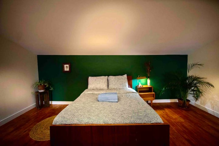Private floor/ suite in vFx, 25min from Lisbon