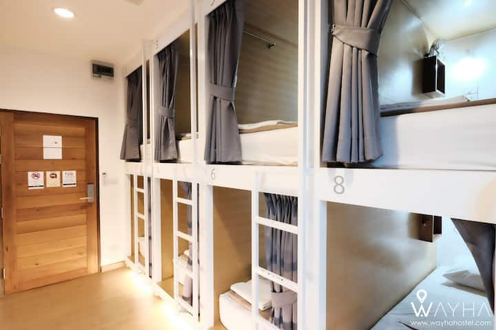Wayha Hostel, 8- Bed Mixed Capsule Dorm