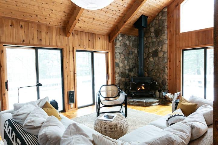 Berkshire Woodland Retreat with Finnish Sauna