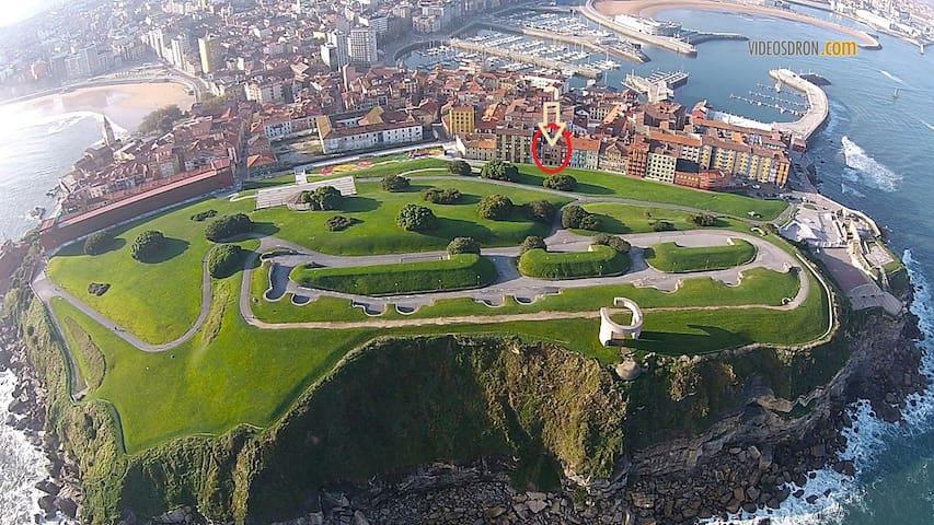 Cimadevilla, cerca de la playa - Gijón - Lägenhet