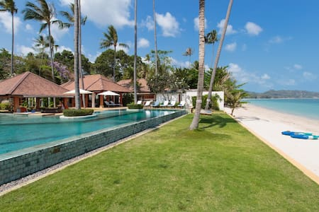 50%OFF | Designer Tropical Luxury Villa Beachfront