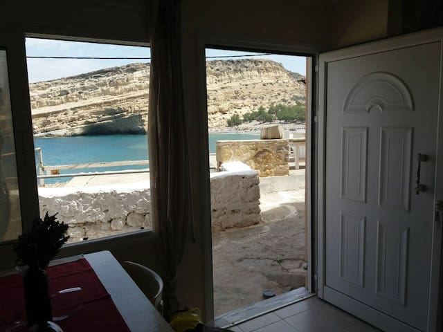 Rafaela Apartment - beach front - Matala