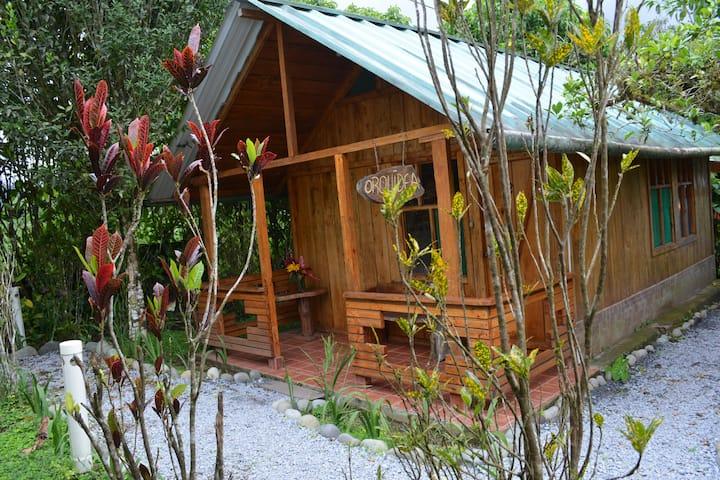 Cabaña independiente rodeada de naturaleza - Mindo