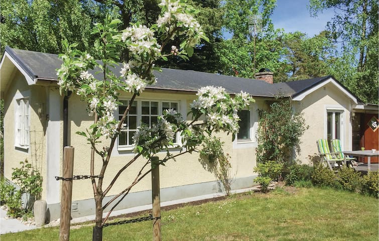 Holiday cottage with 3 bedrooms on 70m² in Beddingestrand