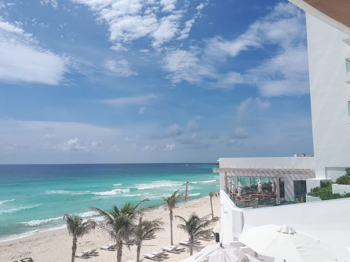 3004Departamento Oleo Cancun frente a Mar Caribe