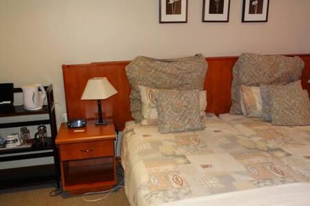 The Monte Carlo B&B - Room 6 - Centurion