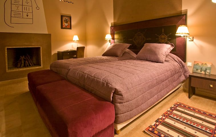 Tiziri Senior Suite  Kasbah Agounsane - Marrakech - Bed & Breakfast