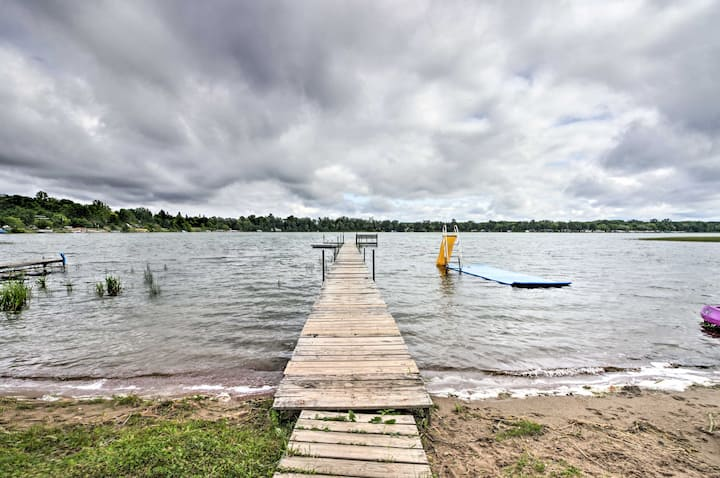 NEW! Lovely Lake Cabin: Boat Rentals & On-Site Bar