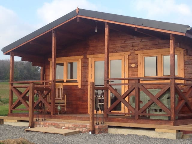 Cosy log cabin with panoramic views - Knocknacrohy  - Cabin