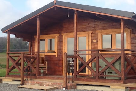 Cosy log cabin with panoramic views - Knocknacrohy  - Blockhütte