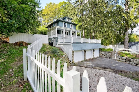 Beautiful Colonial Style Family Friendly Home
