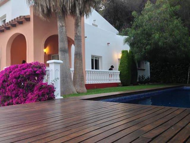 Magnifico chalet con piscina cerca de Gandia - Almiserà