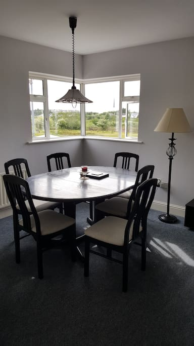 Diningroom with view of Knock