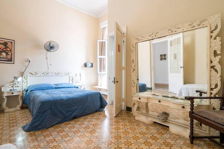 Havana 263, casa de Maruchy 2, ROOM FOR RENT