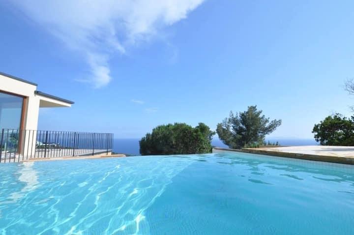 Villa Ponente * Villa deluxe, 180° seaview, 130m2