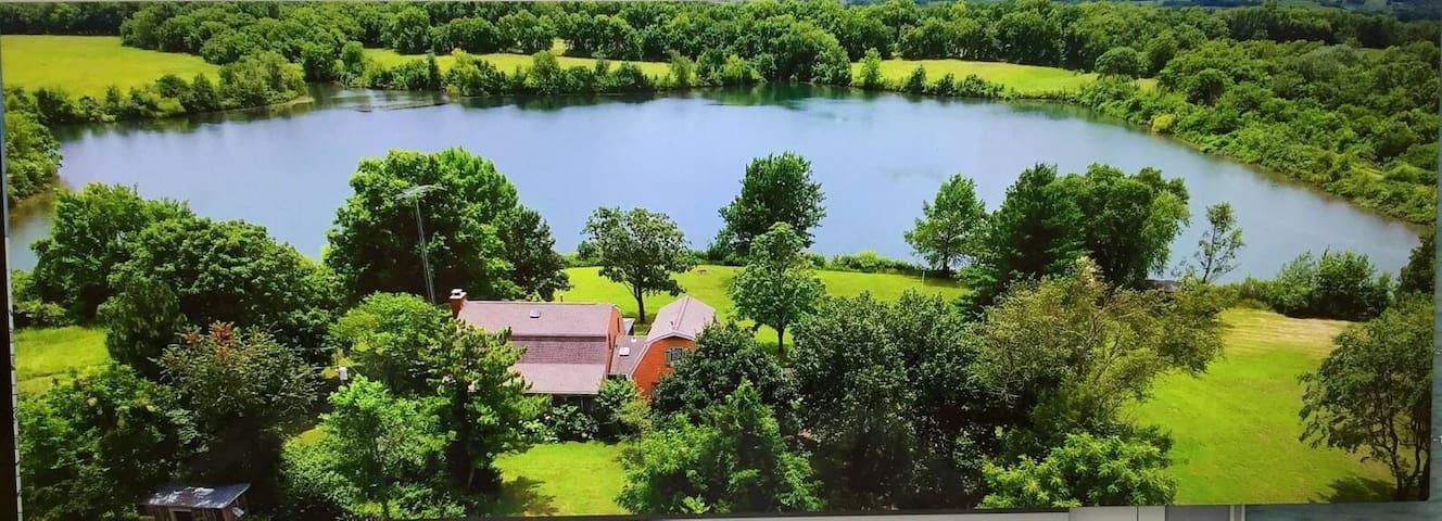 Private Lake retreat one hour South of Kansas City