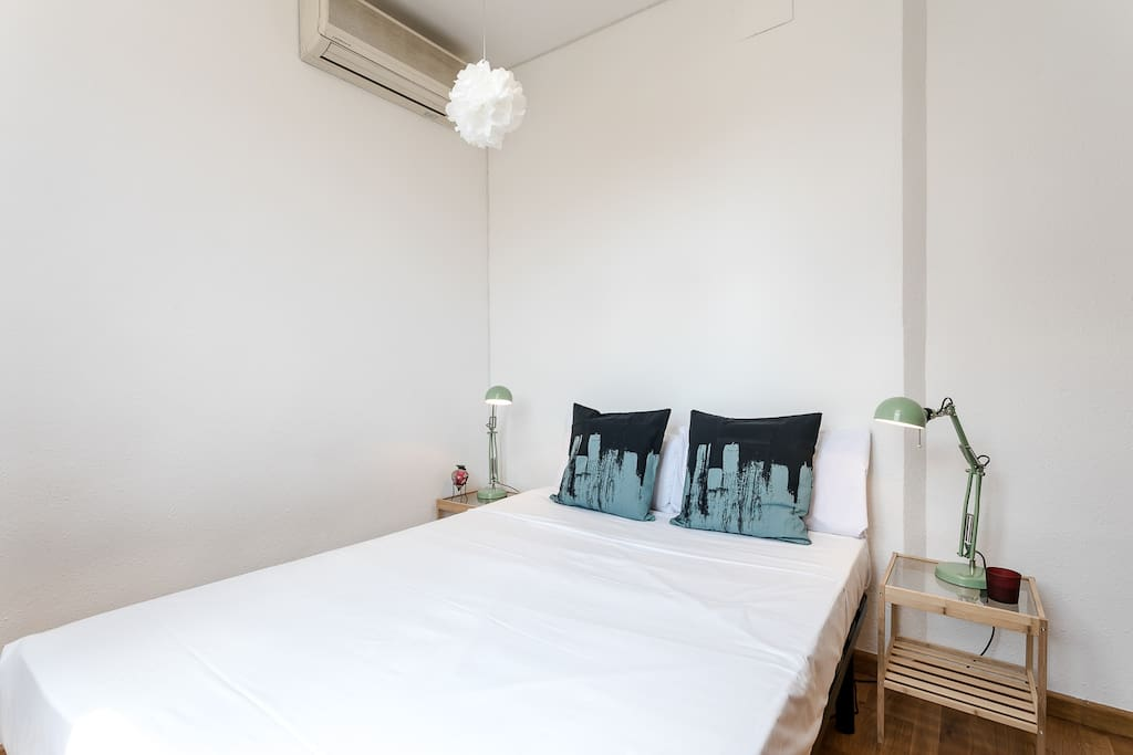 Bedroom 1 (double bed) with A/C