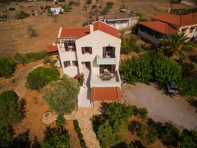 Guest House - Lakonia