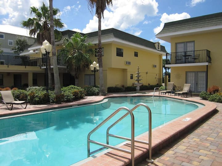 SWEET BEACH RETREAT - REDINGTON BEACH FLORIDA