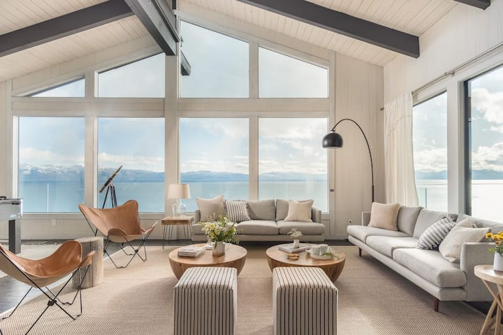Lakeview by AvantStay | Private Waterfront Cabin on Lake Tahoe w/ Hot Tub & View