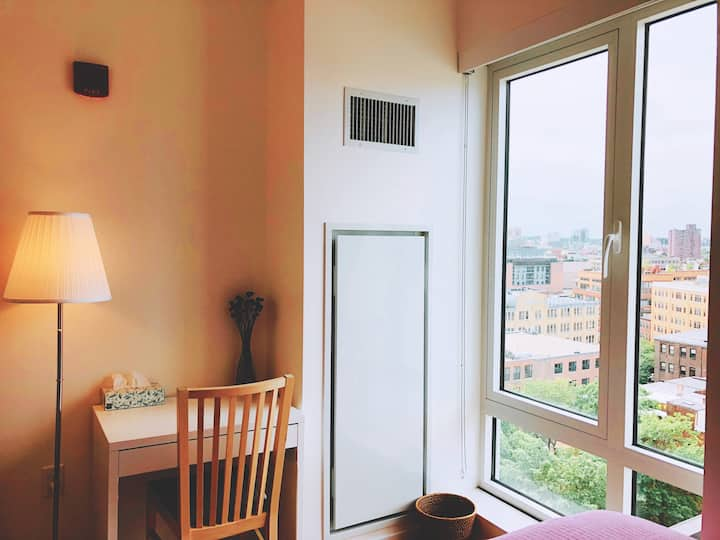 Penthouse Private Room Near Everything 🏳️🌈