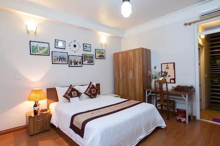 Authentic Homestay in Heart Of Hanoi  Private Room - Hanoi - Huis